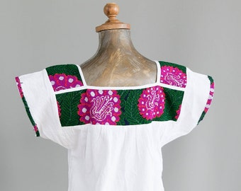 Vintage Mexican Blouse. Mexican Embroidered Blouse. Mexican Huipil