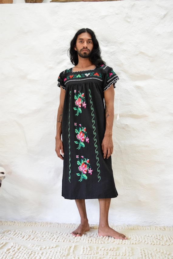 Vintage Embroidered Mexican Dress