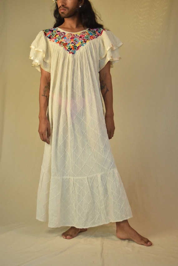 Vintage Mexican Dress. Embroidered Dress