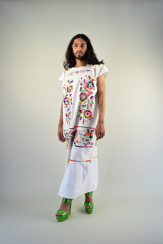 Vintage Mexican Dress. Mexican Dress. Embroidered