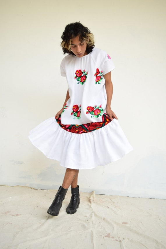 Hand Embroidered Mexican Dress. Embroidered Dress