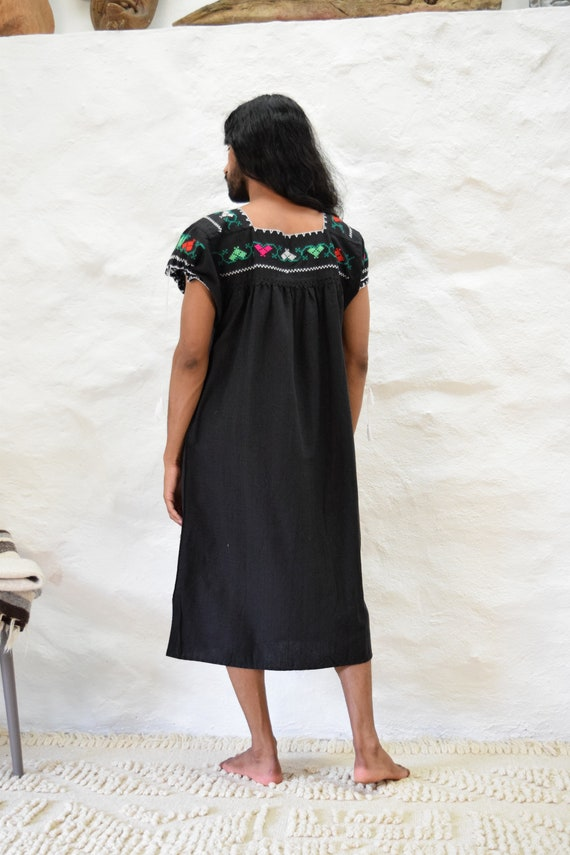 Vintage Embroidered Mexican Dress - image 6