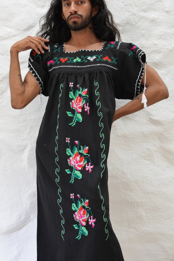 Vintage Embroidered Mexican Dress - image 8