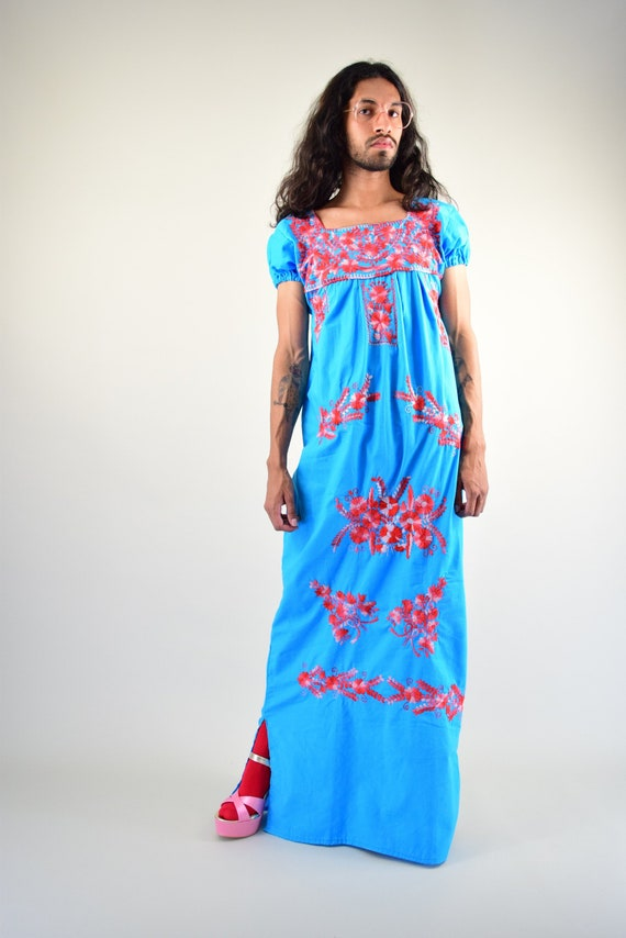 Vintage Mexican Dress. Embroidered Dress. Mexican