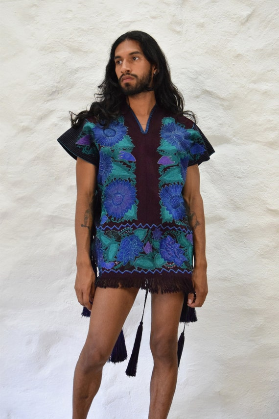 Mexican Poncho. Embroidered Poncho. Vintage Poncho - image 9