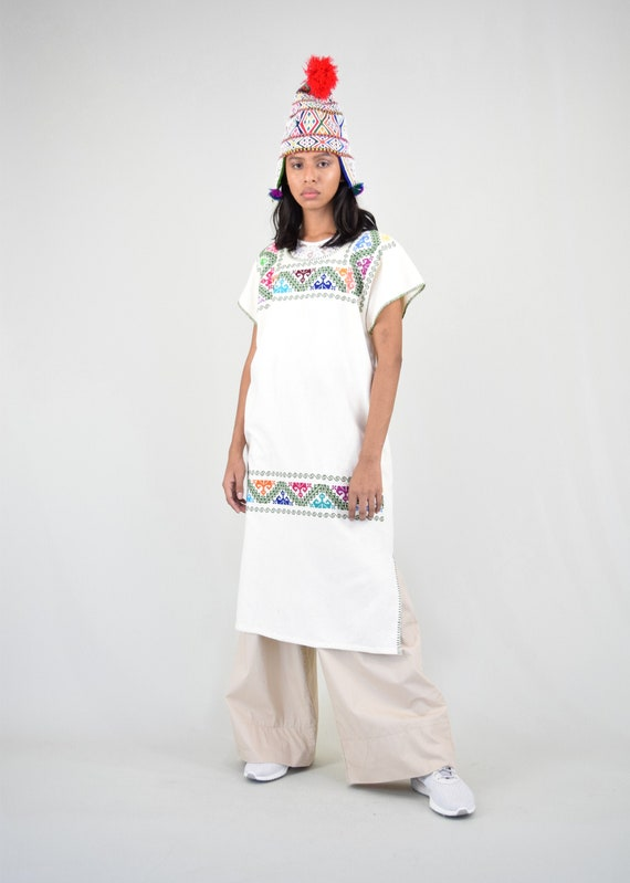 Vintage Mexican Dress. Mexican Huipil. Embroidered