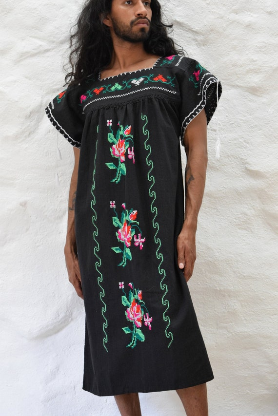 Vintage Embroidered Mexican Dress - image 2