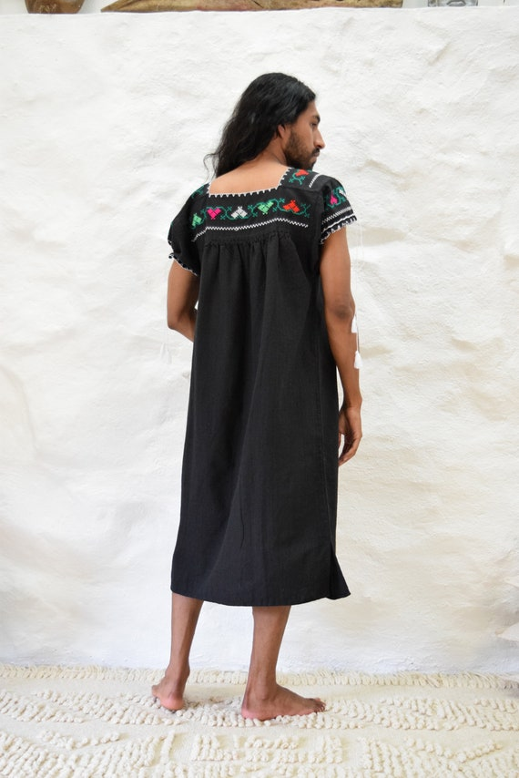 Vintage Embroidered Mexican Dress - image 3