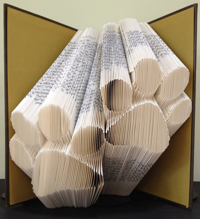 PAW PRINTS  Book Folding Pattern. DIY gift for book art. image 0