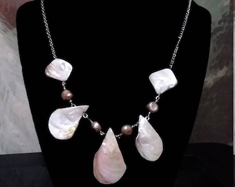White Teardrop Shell Necklace