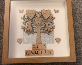 Brand new design *** Personalised Family Tree Frame with Scrabble Art, Handmade for the perfect gift (up to 8 names)