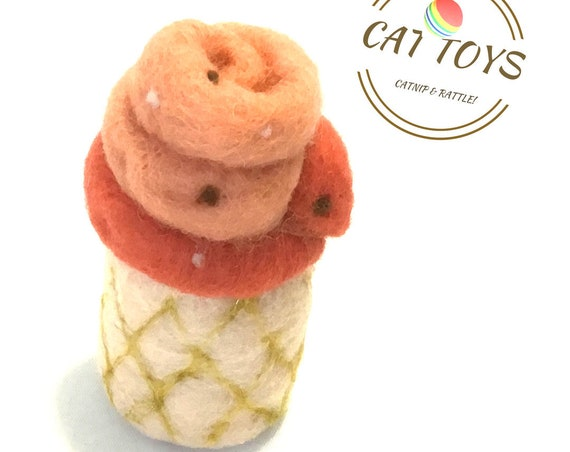 Soft Serve Cat Toy - Peach Needle Felted Cat Toy - Felted Wool Cat Toy - Handmade Cat Toy - Cat Play Toy - Cat Lovers Gift - Cat Play Things