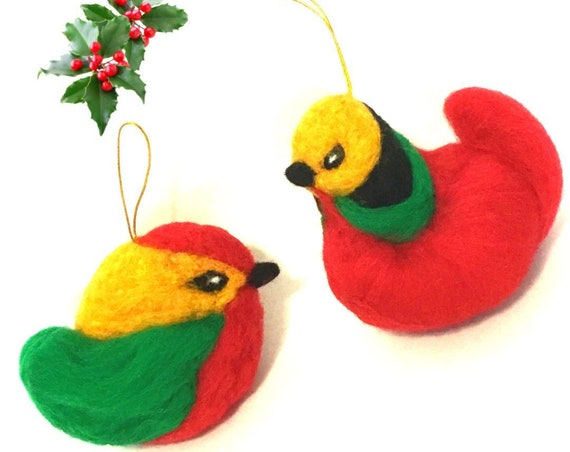 Large Xmas Robbins - 2 Red Hand Felted Robbins - Unique Wool Sculpture - Great Hostess Gift - Designer Xmas Tree Decor - Top Friendship Gift
