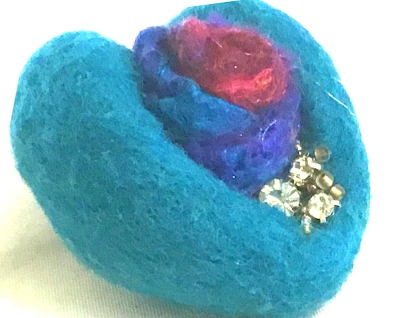 Blue Rose Heart Brooch - Mothers Day Gift - Cubic Zirconia Beaded Brooch - Handmade Beaded Brooch - Girlfriend Gift - Felted Wool Brooch