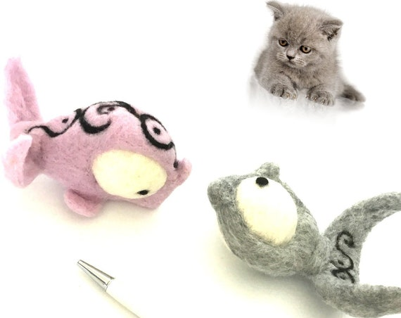 Pink Felted Fish Cat Toy - Cat Lover Gifts - Grey Felted Catnip Toy - Cat Lovers Gifts - Cat Throw Toys - Unique Cat Gifts