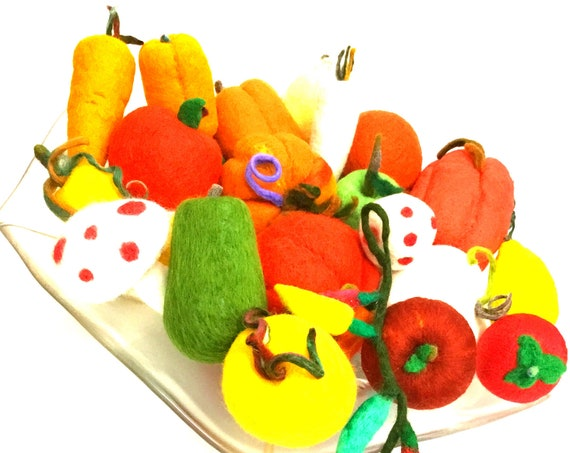 Large Vegetable Set - Stunning Table Centrepiece - 22 Wool Sculptures - Fabulous Thanksgiving Gift - Felted Wool Ornaments - Hostess Gift