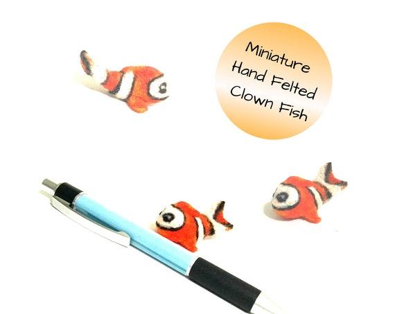 Felt Clown Fish - Orange Wool Clown Fish - Doll House Miniature - Sweet Friendship Gift - Wool Sculpture - Girlfriend Gift - Appreciation