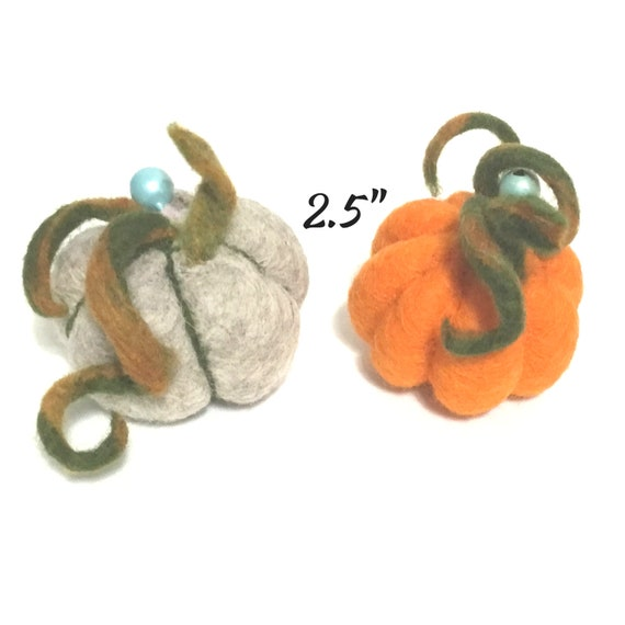 Cat Toys - Pumpkin Cat Toys - Catnip Free Cat Toys - Needle Felted Cat Toys - Mini Pumpkins Cat Toys - Cat Lovers Gift - Hand Felted Pumpkin
