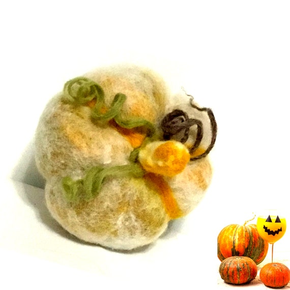 Felt Pumpkin Wool Sculpture - Gold Pumpkin Table Decor - Stunning Housewarming Gift - Fruit Bowl Decor - Halloween Decoration - Hostess Gift