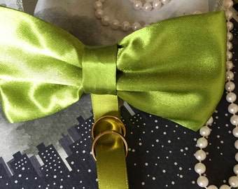 Dog Ring Bearer Green Bow Tie and Collar, Wedding Dog Collar, Pet Collars, wedding dog, dog bow tie green, wedding collar, pets at wedding