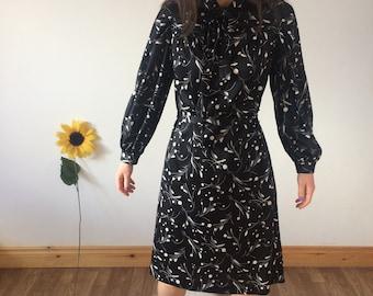 67e69a72913d83 Vintage 80s zwart   witte jurk