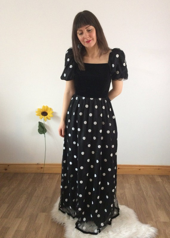Vintage 70s Off the Shoulder Long  Maxi Dress