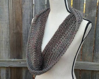 Chunky Gray Infinity Scarf, Textured Ribbed Circle Scarf, Crochet Gray Cowl, Gray Neck Warmer, Fashion Accessory, Infinity Loop Scarf
