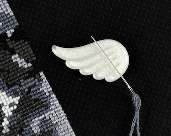 Angel Wing, Needle Minder, Embroidery Accessory, Magnetic Pincushion, Cross Stitch Supply, Glitter Wing, White Swan, Sewing Needle