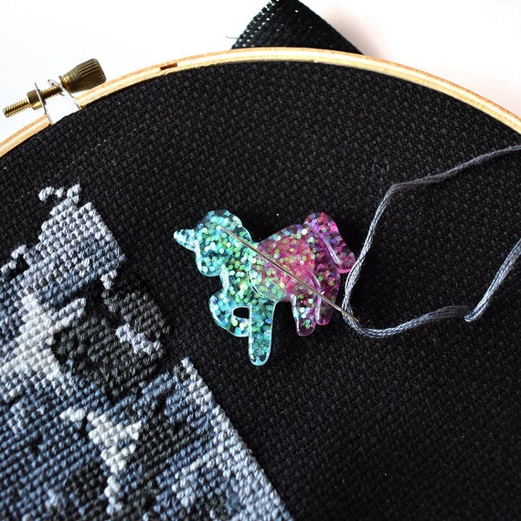 Gold Glitter Heart Needle Minder For Cross Stitch// Embroidery