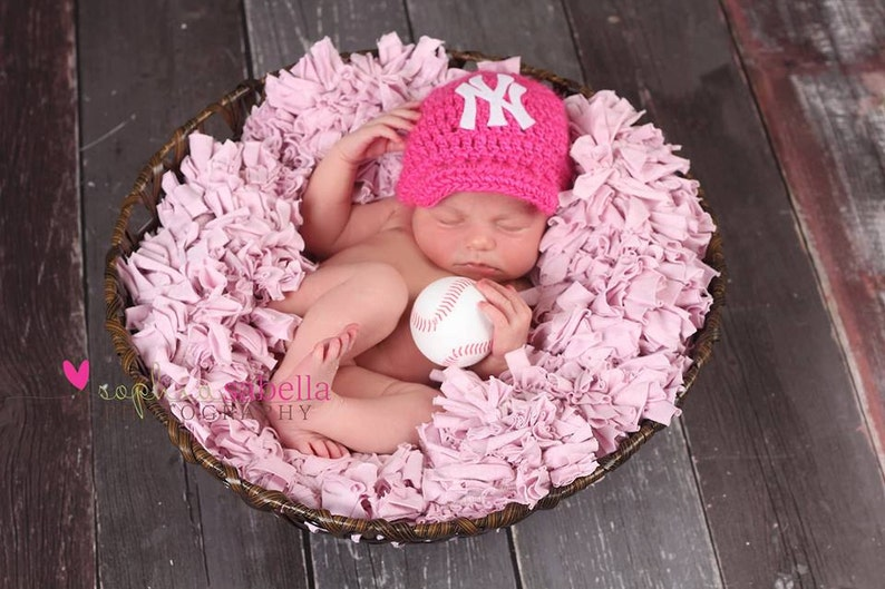 NEWBORN baby girl Baseball Cap New York YANKEES... Crochet  18f9d6f1c74