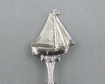 Dutch Sailing Boat & Windmill in Embossed Bowl Holland NETHERLANDS Dutch Collectible Souvenir Spoon