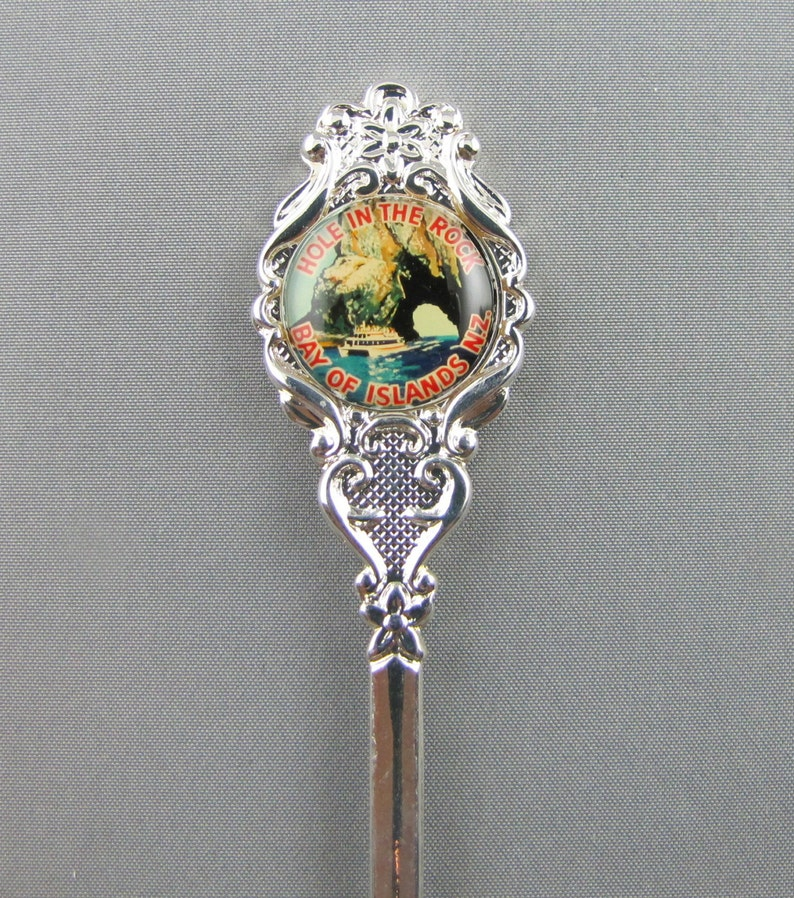 Hole in the Rock BAY OF ISLANDS New Zealand Souvenir Collectors Spoon