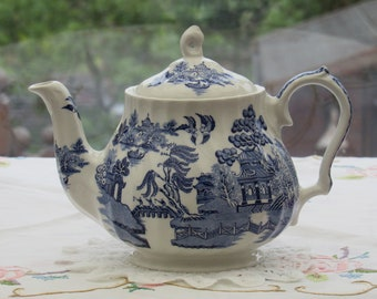 Reserved for Lisa. Sadler Willow Pattern Teapot, Full Size Sadler, Blue and White English Teapot