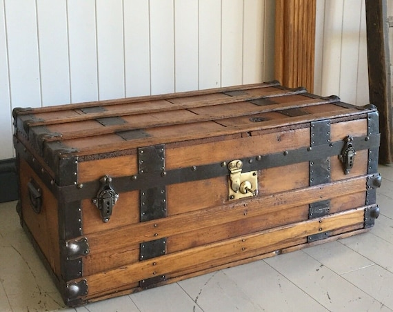 ANTIQUE Victorian STEAMER TRUNK Coffee Table Old Rustic Chest Wooden Storage Box + Key