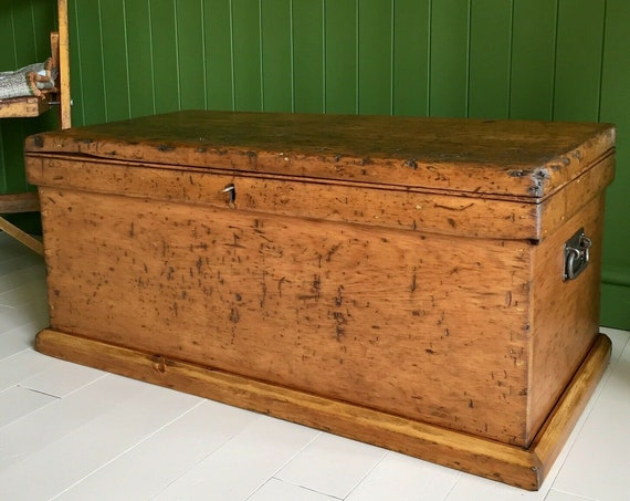 ANTIQUE PINE CHEST Old Victorian Blanket Trunk Rustic Wooden Chest Coffee Table Box