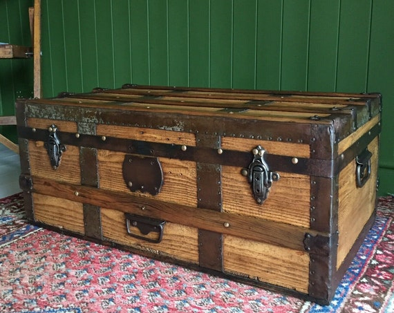 ANTIQUE Victorian STEAMER TRUNK Coffee Table Old Rustic Pine Chest Wooden Blanket Storage Box