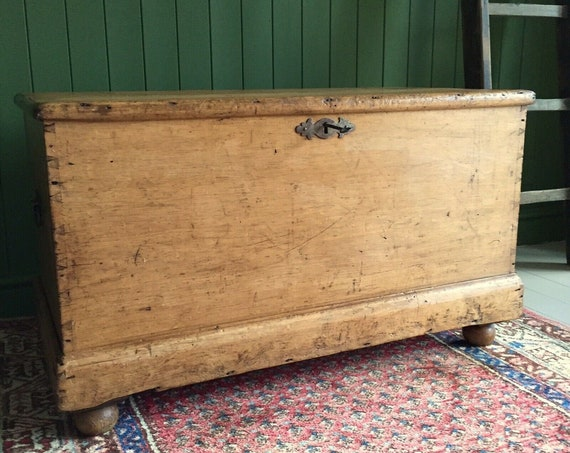 ANTIQUE BLANKET CHEST Rustic Pine Victorian Farmhouse Trunk + Key Old Wooden Shabby Chic Country Storage Box