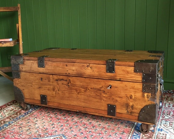 ANTIQUE CAMPAIGN CHEST Old Military Industrial Trunk Coffee Table Rustic Pine Storage Box + Zinc Lining + Key