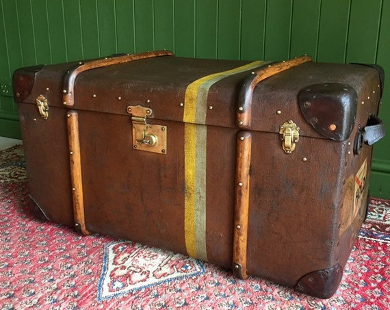 ANTIQUE 1930s Steamer TRUNK Vintage Art Deco Bentwood Cabin TRUNK Coffee Table Storage Chest