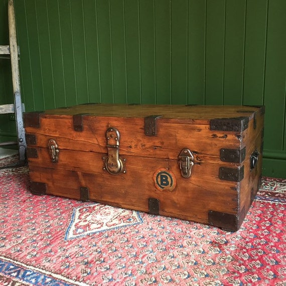 ANTIQUE Victorian Campaign CHEST Rustic Pine Wooden Storage TRUNK Coffee Table + Key