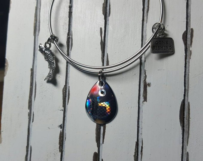 bass fishing bangle