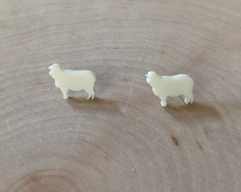 white sheep studs, stainless steel posts
