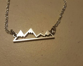 "Mountain chain necklace, 18"" chain"