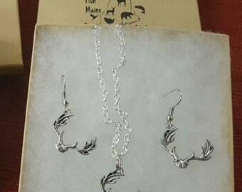 Deer antler necklace and earring set.