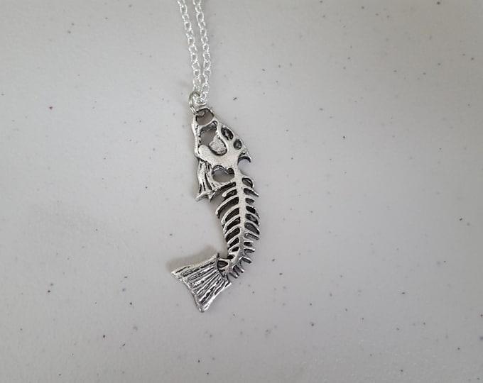"""Bone fish necklace 18"""" chain, silver"""