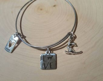 Cat lover bangle bracelet