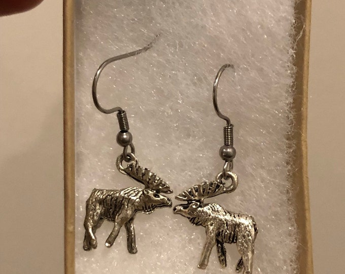 Single moose earring