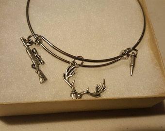 Deer hunting bangle bracelet