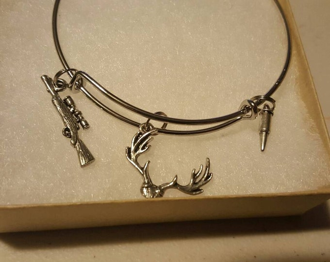 Deer hunting bangle bracelet