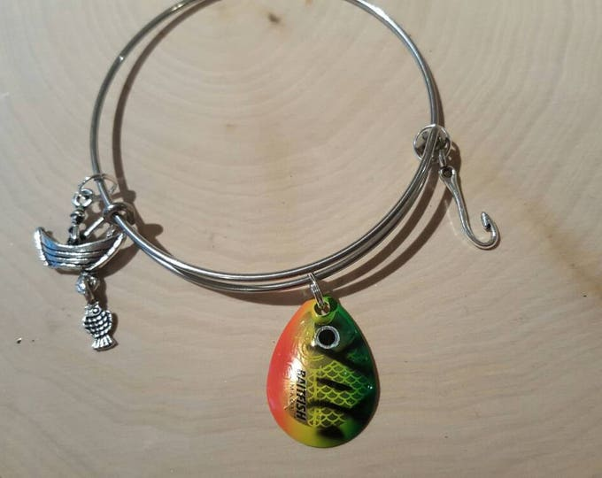 Fish lure bangle bracelet